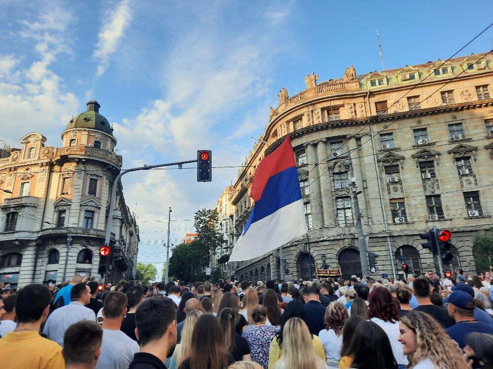 Спасовданска литија Београдом: Хиљаде људи преплавиле улице Београда (ФОТО и ВИДЕО)